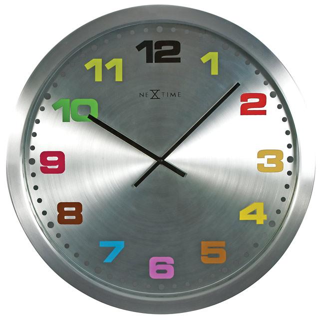 FABRYKA FORM Zegar ścienny z kolorowymi cyframi